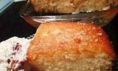 Χορταστικό Αλμυρό κέικ με ελιές και κόκκινες ψητές πιπεριές Cornbread, Deserts, Ethnic Recipes, Greek, Food, Millet Bread, Desserts, Dessert, Greek Language