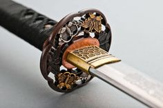 Katana or nihonto (Japanese name of samurai sword), is known throughout the world for its beauty and sharpness. You can see the artistically decorated scabbard, and also the wave pattern of the blade called hamon, which are the characteristics of katana.