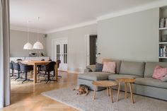 Gärtner Internationale Möbel #Wohnzimmer #Kamin #Feuer #Sofa #Conseta #COR #Couchtisch #Hay #Vitra #Armchair #Leuchte #Tatou #Urquiola