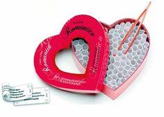 Serie di giochi audaci e seducenti per voi e il vostro partner.  Basta estrarre un rotolino di carta contenuto nella scatola usando le  pinzette e scoprirne il contenuto..... Buon divertimento!!!
