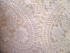 a pillow cover Jacobean Embroidery, Hungarian Embroidery, Folk Embroidery, Embroidery Patterns, Vintage Jewelry Crafts, Wool Thread, Linen Store, Blog Planner, Pillow Covers