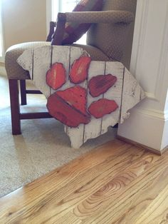 Wooden State of South Carolina with Clemson logo Clemson Logo, Clemson Football, Clemson Tigers, Football Signs, Auburn Tigers, Stain Colors, Orange And Purple, South Carolina, Wood Crafts
