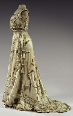 Worth evening dress, ca. 1900