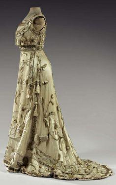 Worth evening dress, ca. 1900