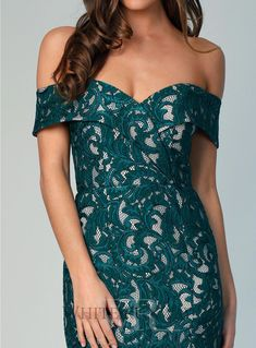 A beautiful midi by Samantha Rose. An off shoulder style perfect as a bridesmaid dress, formal dress or wedding guest dress. Featuring crossover detailing on the bust and a side split in the skirt. Dusty Pink Bridesmaid Dresses, Green Bridesmaids, Wedding Dresses, Long Formal Gowns, Cheap Party Dresses, Off Shoulder Fashion, Long Cocktail Dress, Different Dresses, Side Split