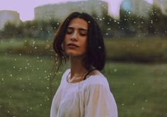 Rain causes humidity which leads to split ends as rainwater has chlorine in it. Wedding Tips, Summer Wedding, Empath Traits, Cheveux Ternes, Out Of Body, Stress Disorders, Free Girl, Split Ends