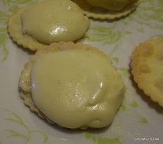ALFAJORES CON CHANCACA ….. MANJAR BLANCO – Cocina Chilena Muffin, Pudding, Breakfast, Desserts, Recipes, Food, Blancmange, Food Recipes, Cook
