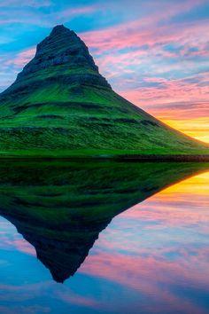 uchoa04:  sundxwn:  Kirkjufell, Icelandby Gen...
