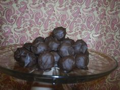 Chocolate Balls : holiday gifts and baking for coworkers, parties and groups on Craftster.org