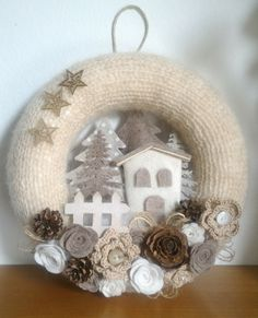 Christmas Clay, Christmas Ornament Crafts, Merry Little Christmas, Holiday Crafts, Christmas Wreaths, Christmas Decorations, Crochet Wreath, Felt Wreath, Wreath Crafts