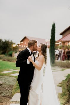 Happy days  | Sacred Oaks | Whim Floral | Whim Rentals | Captivating Weddings