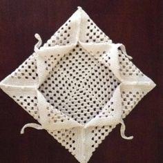 Crochet napkin holder