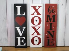 Valentine's Day Sign/Sign Set/Love/XOXO/Be Mine/Shelf Sitter/Mantel Fireplace Sign/Photo Prop/Farmhouse Style/Rustic - Valentinstag Ideen Valentines Day Decorations, Valentine Day Crafts, Be My Valentine, Holiday Crafts, Valentine Ideas, Holiday Decorations, Holiday Fun, Holiday Ideas, Saint Valentin Diy