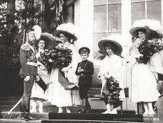 Tsar Nicholas ll of Russia with his children.A♥W