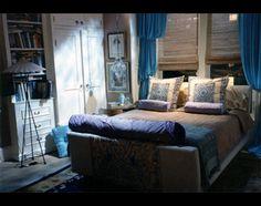 Will and Grace bedroom Tv Set Design, Will And Grace, Cottage Plan, Home Tv, Mudroom, Master Bedroom, Sweet Home, Design Inspiration, Interior Design