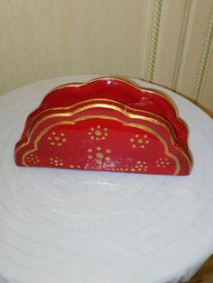 Portatovaglioli in ceramica fatto e decorato a mano