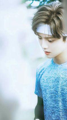 Chanyeol, Tao Exo, Drama Funny, Exo Lockscreen, Chinese Boy, Chinese China, Boy Poses, Exo Memes, Cute Faces