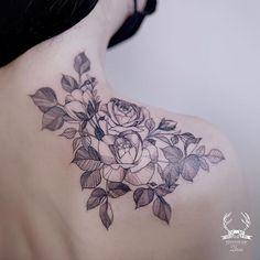 Shoulder line rose