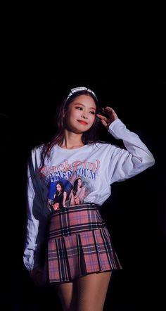 Our social Trends Blackpink Jennie, Yg Entertainment, Kpop Girl Groups, Kpop Girls, Lisa Blackpink Wallpaper, Blackpink Photos, Blackpink Jisoo, Trends, Mamamoo