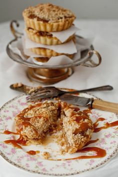 Tarts Four Ways ~ Let's Start with Caramel Apple Streusel » thelittlewhitekitchen.com
