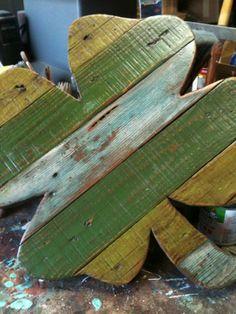 Wooden pallet Shamrock by DoodlesbyDiana on Etsy