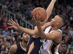 Utah Jazz guard Dante Exum drives the ball towards the basket during the  game against the e10422c39