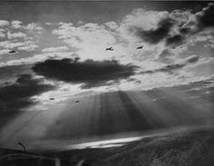 RAF_Gliders_and_Tow_Planes_Head_for_Normandy_Coast_on_D-Day