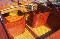 Moottoriveneitä Motorboats - Sails and Sea