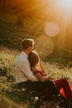 20 Amazing Wedding Engagement Photo Ideas To Get Inspired 20 . - 20 Amazing Wedding Engagement Photo Ideas To Get Inspired 20 Amazing Wedding Eng - Engagement Photo Poses, Engagement Photo Inspiration, Engagement Couple, Engagement Shoots, Wedding Engagement, Engagement Ideas, Country Engagement Photos, Mountain Engagement Photos, Engagement Photography