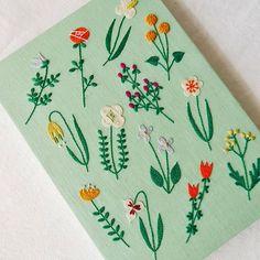 お気に入りの一枚✨ #樋口愉美子のステッチ12か月 #embroidery #刺繍 #刺しゅう #handmade #needlework #linen…