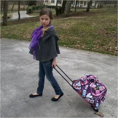 Perfect traveling clothes for a stylish young girl. www.madditheblog.blogspot.com