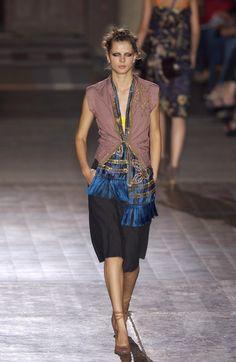 Dries Van Noten at Paris Fashion Week Spring 2003 - Runway Photos