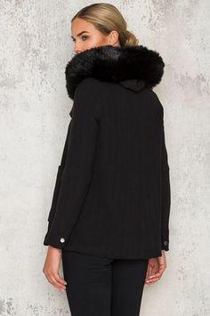 Köp Willow Coat hos Dennis Maglic