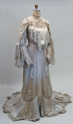Vintage Clothing of The Victorian & Edwardian Eras at Past Perfect Vintage Clothing 1904