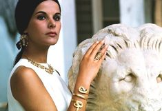 Greek actress Elena Nathanael wearing ancient greek jewelry, photographed by Jack Garofalo for Paris Match in the Atrium of the National Archaeological Museum of Athens, Ali Mcgraw, Greek Icons, Greek Antiquity, Vintage Outfits, Vintage Fashion, Vintage Style, Greek Beauty, Greek Jewelry, Women's Jewelry