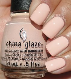China Glaze - Sand In My Mistletoes (Seas And Greeting Collection | Holiday 2016)