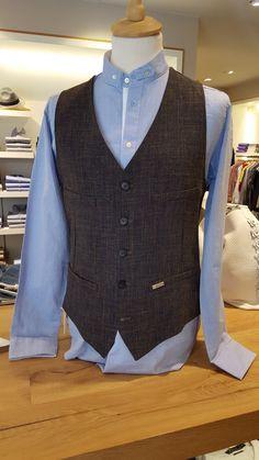 Luis Trenker Herrenmode Herbsr/Winter 2017/18 Men Sweater, Vest, Mens Fashion, Sweaters, Jackets, Dresses, Dress Vest, Style For Men, Fall Winter
