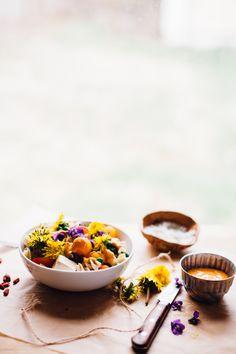 spring pea and wild flower pasta salad with goji tahini sauce! vegan & gluten free recipe via will frolic for food