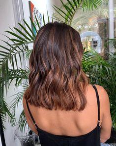 Brown Hair Balayage, Bayalage, Brown Blonde Hair, Brunette Hair, Hair Highlights, Gorgeous Hair Color, Hair Videos, Hairstyles Videos, School Hairstyles