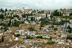 """Guided walks with Cicerone Granada Cicerone organizes guided walks in the city of Granada. One of these is this magical Walking tour at twilight in the Albayzín and Sacromonte. This is Cicerone's description of the walk:-  """"The Albayzin and Sacromonte quarters are both World Heritage sites. Two of the most charming and colourfull areas in town with lots of history.  You can Stroll through the Albayzin at sunset, walk the maze of narrow winding streets scented with jazmin, enjoy the ..."""