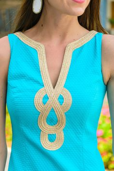 Lilly Pulitzer, Janice Shift Dress, Stephanie Ziajka, Diary of a Debutante Neck Designs For Suits, Dress Neck Designs, Kurti Neck Designs, Preppy Outfits, Preppy Style, African Fashion Dresses, Hijab Fashion, Hand Embroidery Dress, Desi Wear