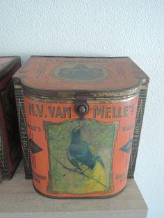 Van Melle toffee tin, orange version