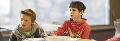 Je hoort het overal in het onderwijs: leerlingen moeten meer eigenaar worden van hun leerproces. Het motiveert en draagt bij aan een positiever zelfbeeld. Een hoge mate van eigenaarschap bij leerlingen zou zelfs leiden tot hogere resultaten (Duckworth, 2009)! Maar wat is eigenaarschap eigenlijk? En waar kan een leerling (behalve van zijn spullen) eigenaar van …