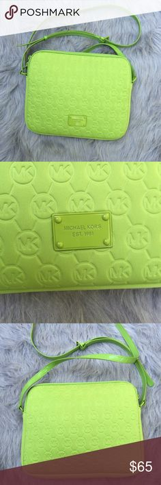 Lime Green Michael Kors Crossbody Bag •Size: 8.5 inches wide; 8 inches length, apprx.  •Condition: BRAND NEW •Description: The inside has no pockets/seperated compartments. Was meant to be an electronics carrier bag; for a tablet or very small laptop. Outside and inside are padded. Authentic (heat stamp on the)!  ••Follow me on insta! @shopunafresa! Let me know you're a Posher too so I can follow back! Michael Kors Bags Crossbody Bags