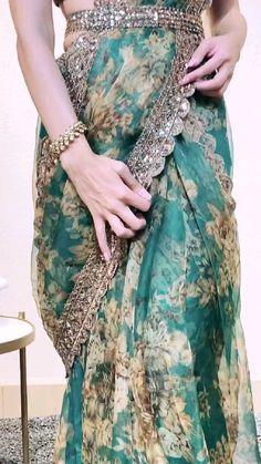 Party Wear Indian Dresses, Designer Party Wear Dresses, Indian Gowns Dresses, Indian Bridal Outfits, Indian Bridal Fashion, Dress Indian Style, Indian Fashion Dresses, Indian Designer Outfits, Stylish Dresses For Girls