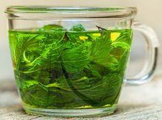 Spearmint tea is an excellent herbal remedy for PCOS, with no side effects. Find out why it works and ways to include it in your PCOS diet. Tea Benefits, Benefits Of Spearmint Tea, Health Benefits, Herbal Remedies, Home Remedies, Ginseng Tea, Pcos Diet, Natural Healing