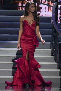 WINNER: The Miss USA pageant 2014 in Baton Rouge was for dreamers Miss USA (Love her Dress)