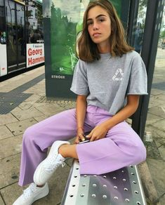 Mode Streetwear streetculture Sneaker Basket mode homme femme - Top Of The World Outfits Hipster, Lila Outfits, Mode Outfits, Trendy Outfits, Summer Outfits, Look Fashion, 90s Fashion, Fashion Outfits, Fashion Women