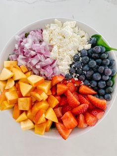 Summer Spinach Salad with Poppy Seed Dressing Tomato Pasta Salad, Pasta Salad Recipes, Spinach Salads, Healthy Salads, Healthy Eating, Taco Salads, Imitation Crab Salad, Poppy Seed Dressing, Warm Food