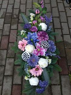Flower Decorations, Funeral, Diy And Crafts, Floral Wreath, Wreaths, Flowers, Wedding, Bottles, Ornaments